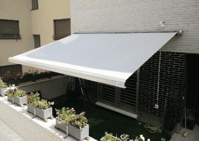 Beneficios de instalar toldos para áticos
